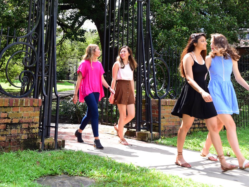 Image of Newcomb Students at Newcomb Gate